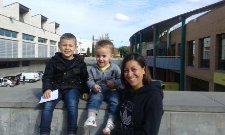 Isabel Macías con Hugo y Mario